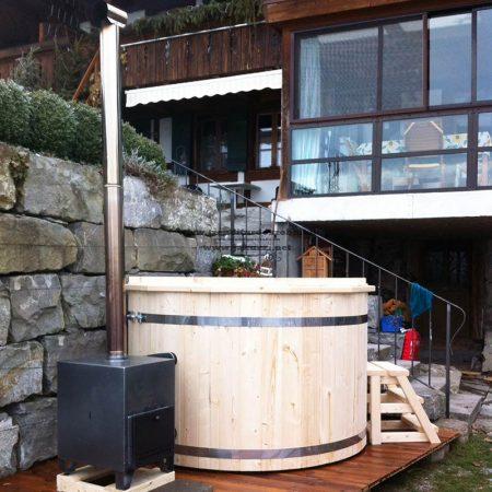 Észt lucfenyő fürdődézsa 220 cm külső rozsdamentes kályhával (28kw)++